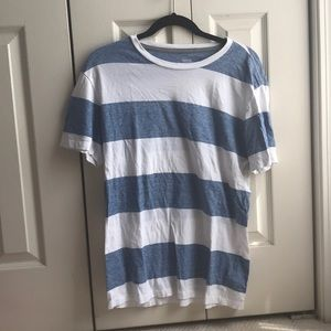 White and blue striped t shirt